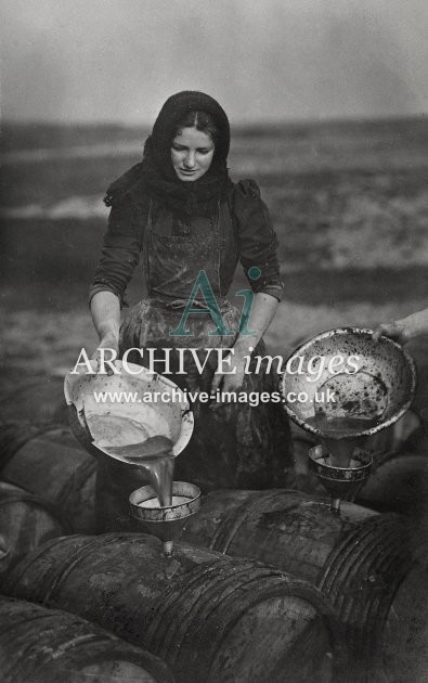 Fishwife Barreling Fish Oil – ARCHIVE images