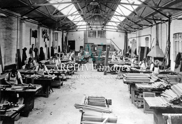 Gloucester RC&W Co Ltd 1924, Carpenters Shop