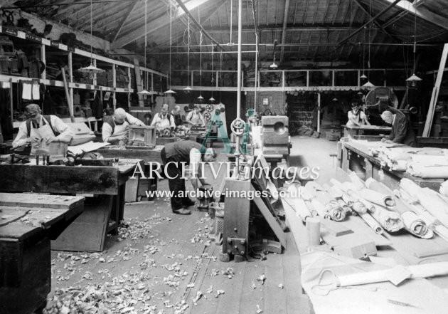 Gloucester RC&W Co Ltd 1924, Upholsterers
