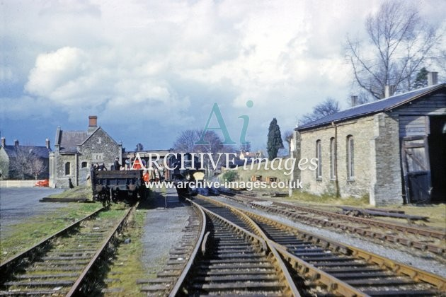 Malmesbury Station, No 1659 1962
