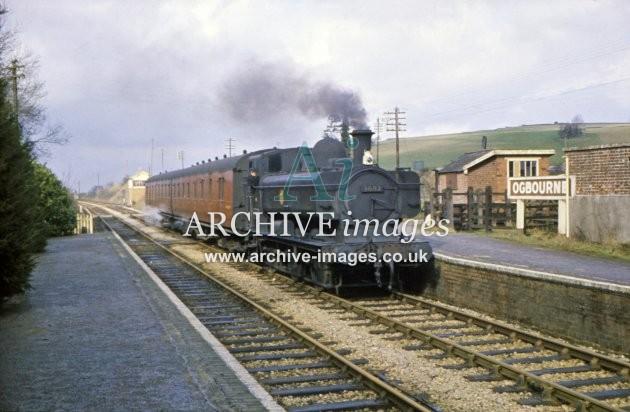 Ogbourne Station No 3682 1961