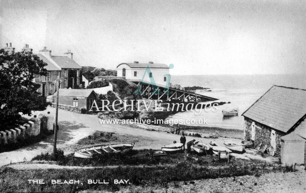 Amlwch, Bull Bay beach & lifeboat house c1925