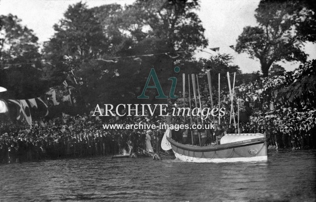 Cardigan, lifeboat launch c1908
