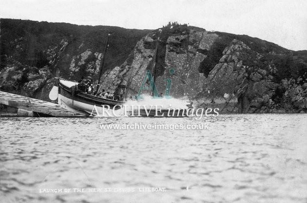 St Davids lifeboat, launching c1910