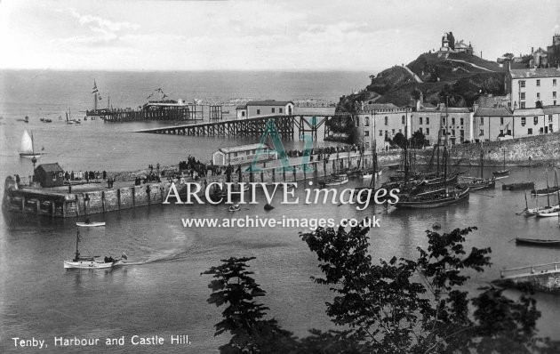 Tenby harbour & lifeboat house c1910