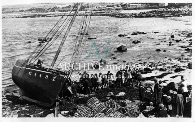 Scilly Isles French Crabber C1187 ashore St Marys 1911-1912 CMc