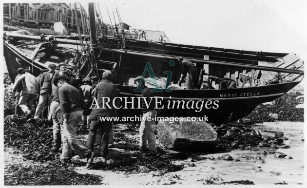 Scilly Isles French crabber Maris Stella ashore St Marys 1911-12 CMc