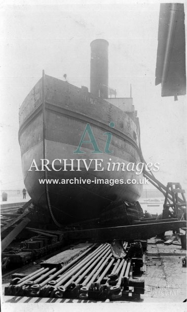 Kent Shipping Ramsgate tug on slipway c1920 CMc