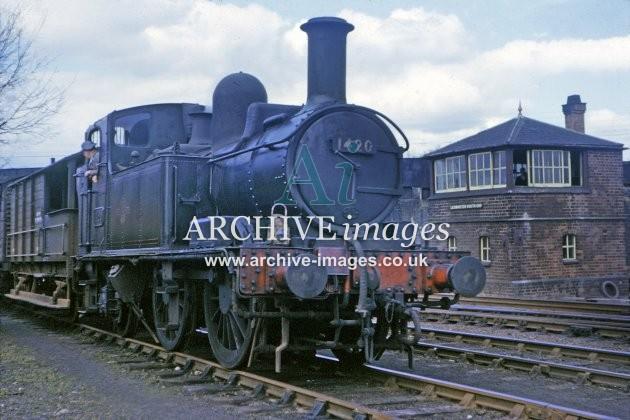 Leominster South End Signal Box & No. 1420 1964