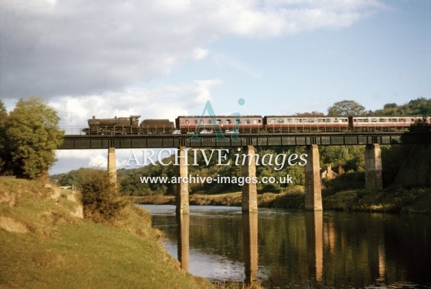 Ballingham Bridge, Manor Class Hereford train, 10.64